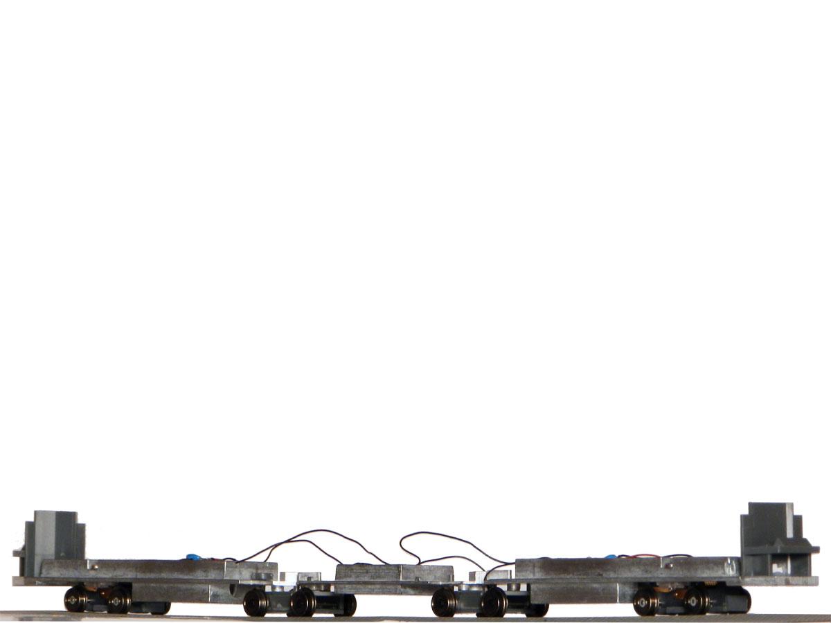 Kovová podlaha s motorem pro KT8